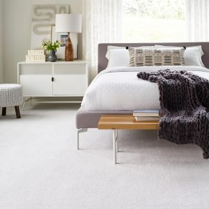 White carpet floor in bedroom | Barrett Floors